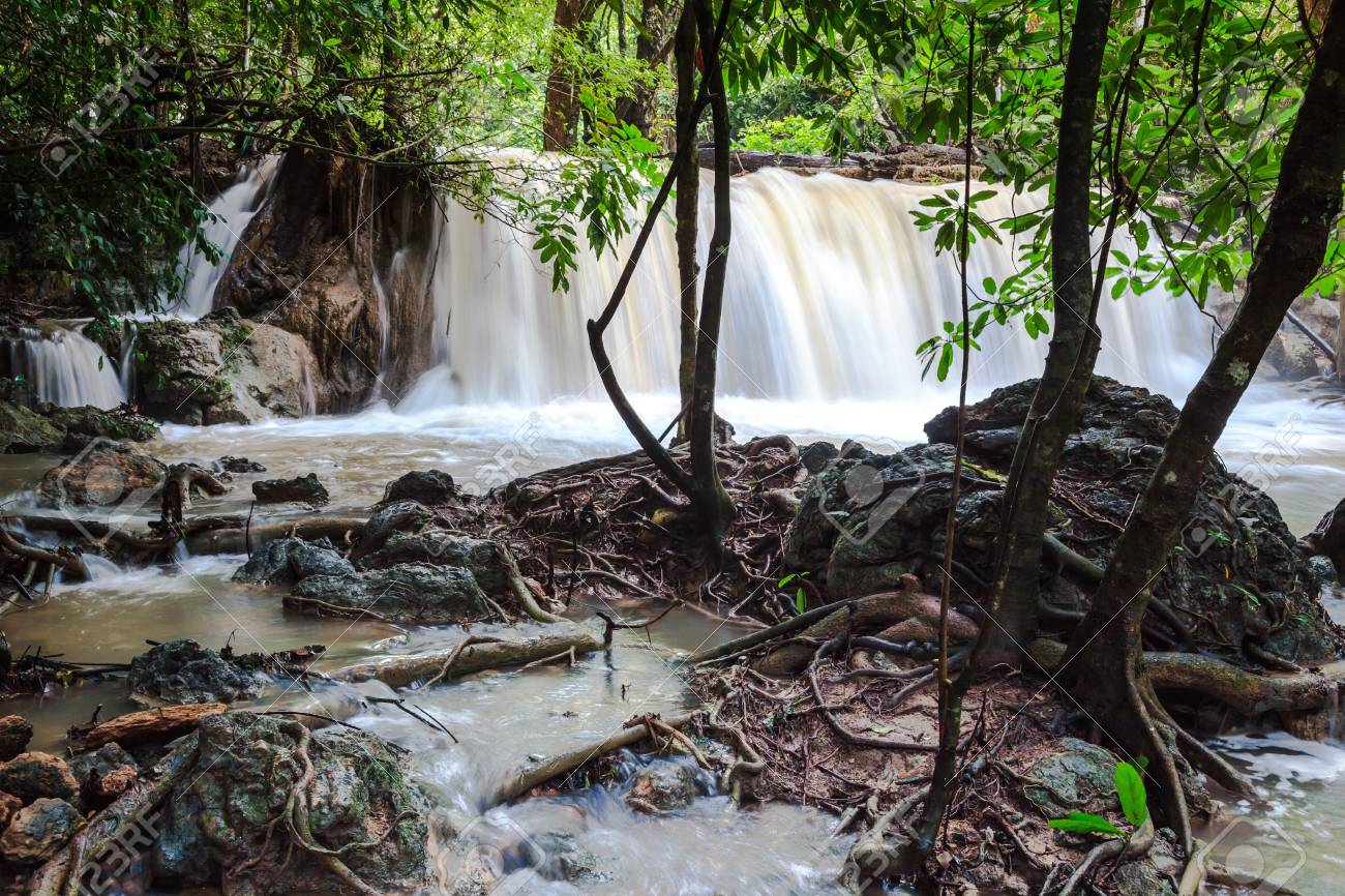 Huay mae khamin waterfalls Stock Photo - 21503543