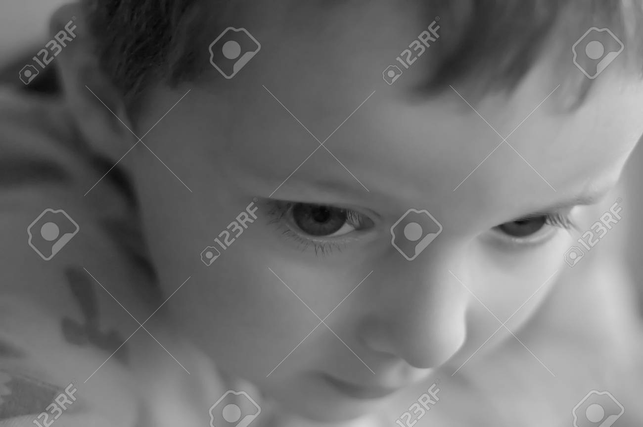 Sad and lonely little boy Stock Photo - 18484585