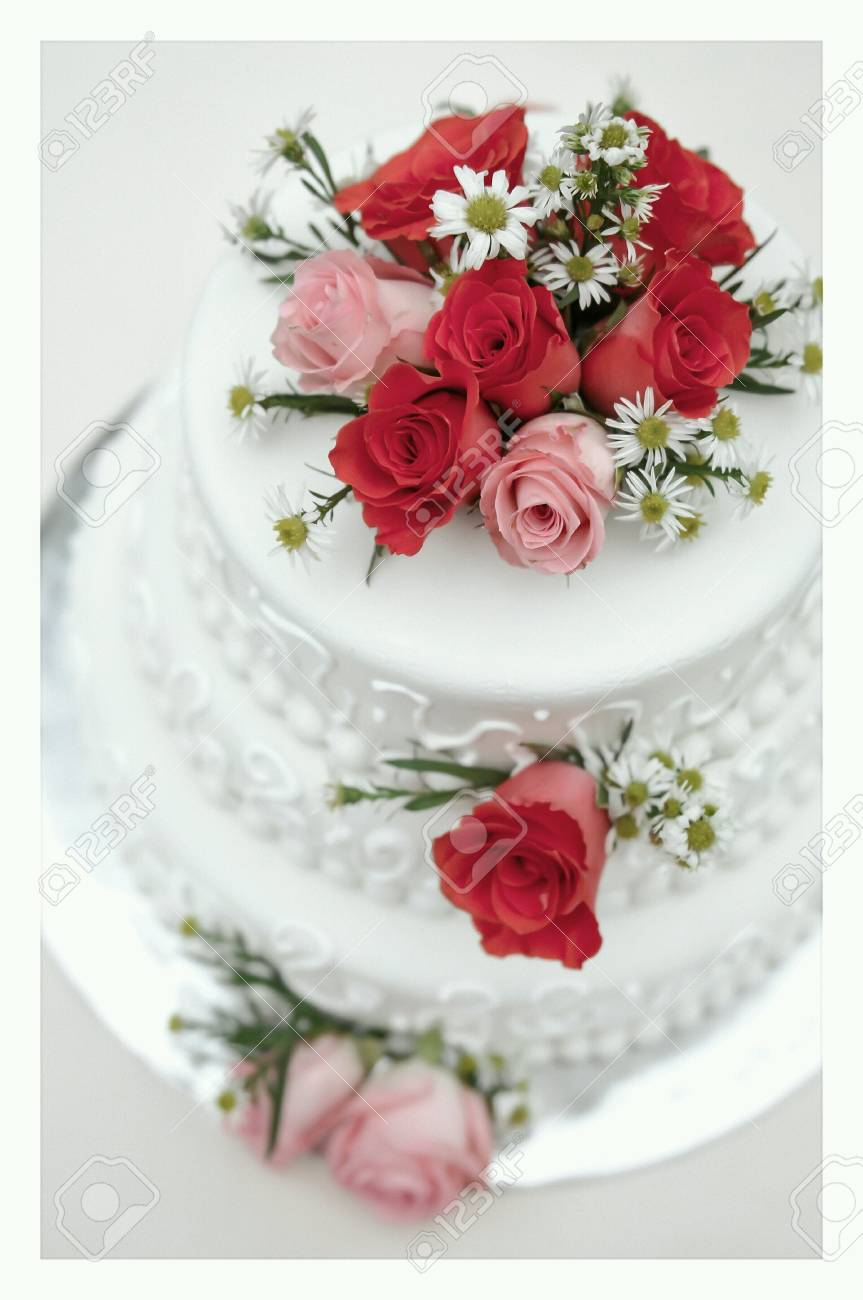 White Wedding Cake Stock Photo, Picture And Royalty Free Image ...