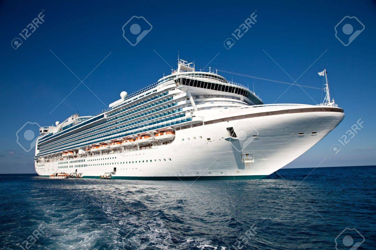 Cruise Ship Anchored in The Caribbean	 Stock Photo - 16652004