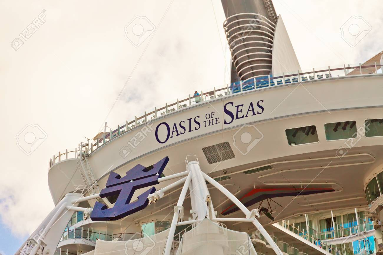 Philipsburg, St. Maarten - Jan. 19, 2011:  The Oasis of the Seas, one of Royal Caribbean Cruise Lines largest ships, can carry an unprecedented 6,000 passengers on each Caribbean voyage. Stock Photo - 16895818