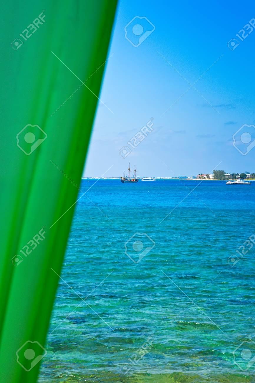 Windows view of Caribbean Sea from the Cayman Islands on nassau caribbean, saint-martin caribbean, belize caribbean, cooper island caribbean, caicos caribbean, pennsylvania caribbean, windward islands caribbean, el salvador caribbean, eustatius caribbean, union island caribbean, monaco caribbean, anegada caribbean, virgin islands caribbean, guam caribbean, dominica island caribbean, jamaica caribbean, peter island caribbean, guatemala caribbean, chile caribbean, st barts caribbean,