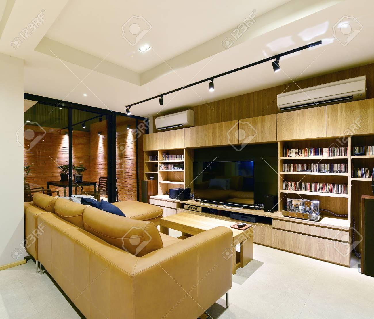 Luxuriöser Moderner Lebender Innenraum Und Dekoration Der ...