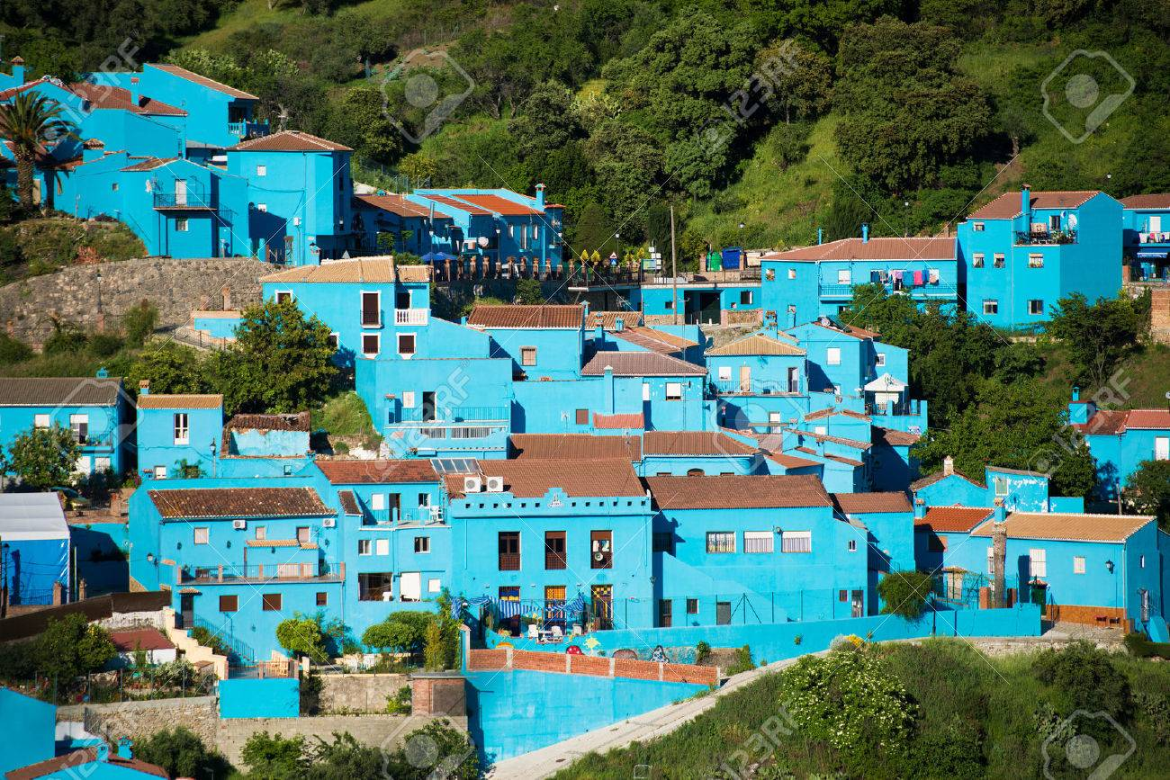 Juzcar, blue Andalusian village in Malaga, Spain. village was painted blue for The Smurfs movie launch - 43286667