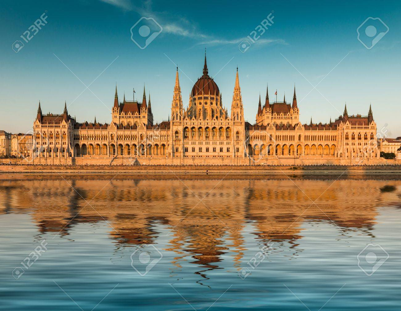 Budapest parliament at the sunset. Front view - 43286912