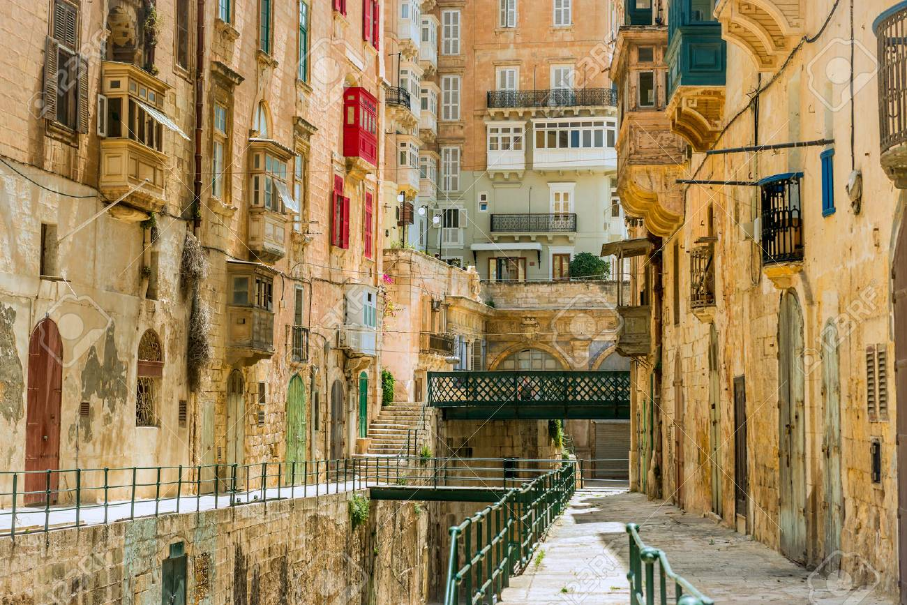 Narrow street in Malta - 99281000