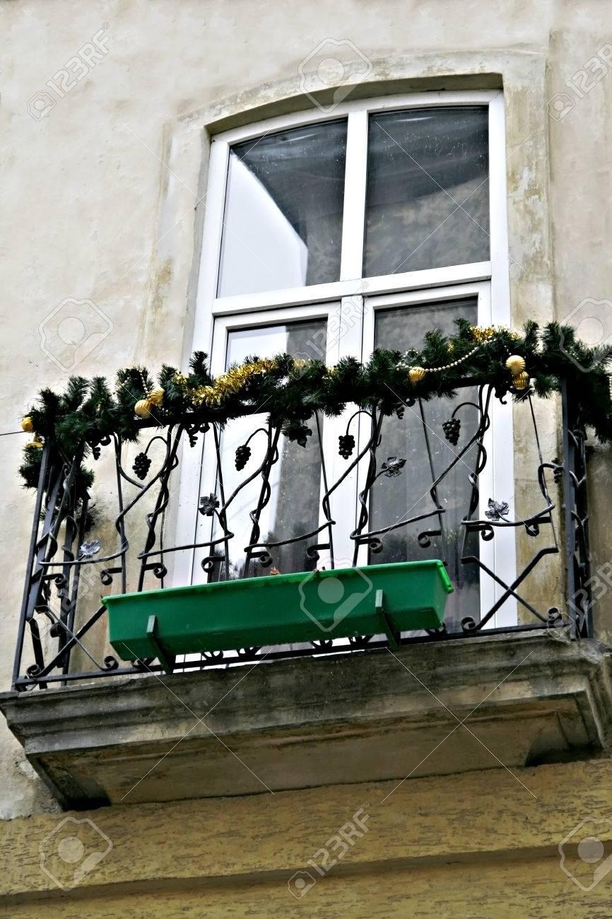 Balcon Decorado Guirnalda De Abeto De Navidad Fotos Retratos