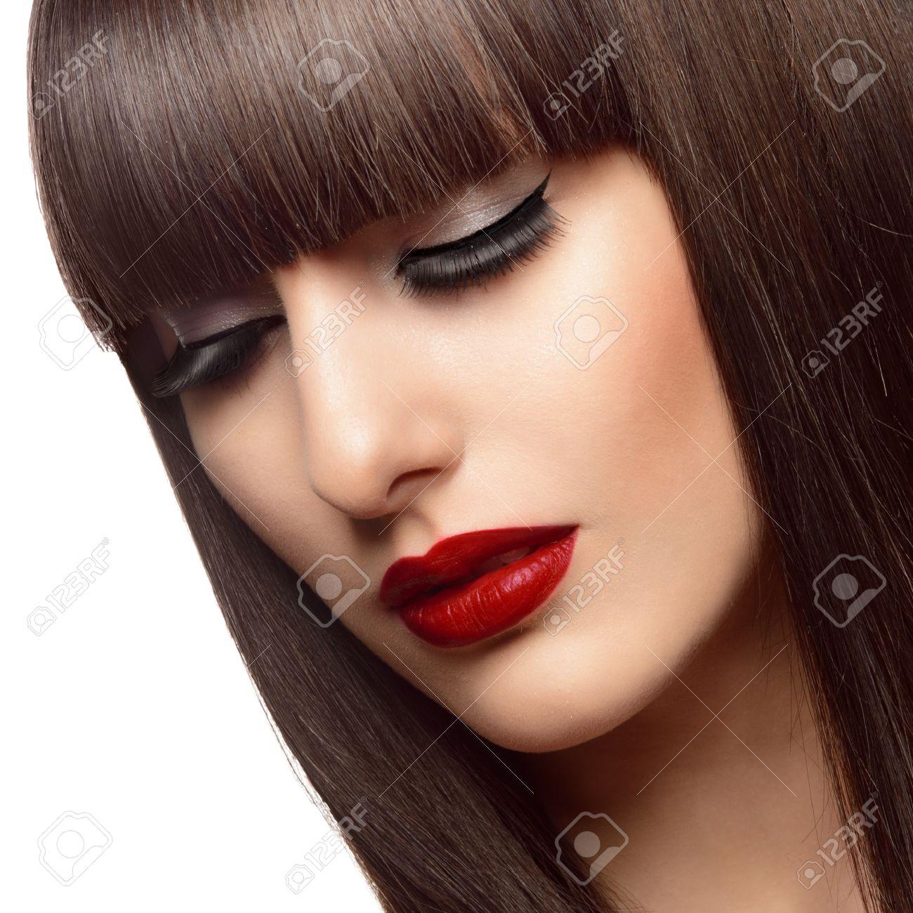Portrait De La Belle Femme De Mode Avec De Longs Cheveux Roux Sain ...
