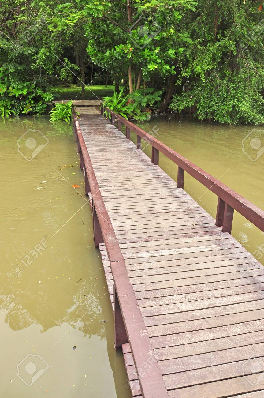 Wooden bridge Stock Photo - 15150193