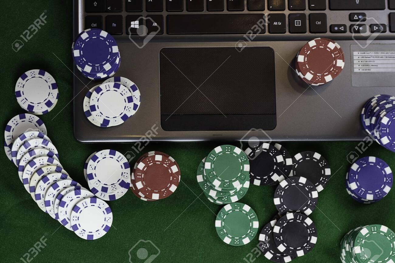 музыка онлайн под покер