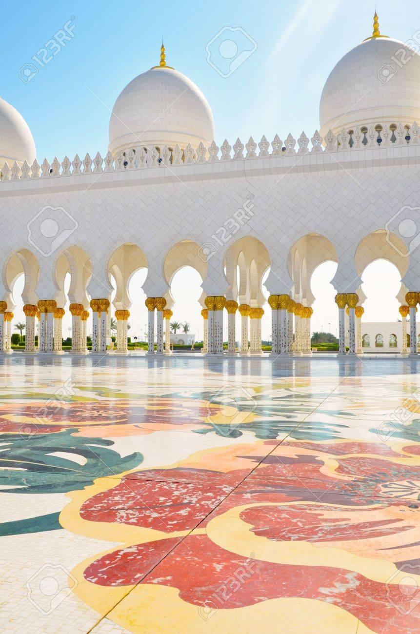 Detail of Sheikh Zayed Mosque in Abu Dhabi, United Arab Emirates - 11910450