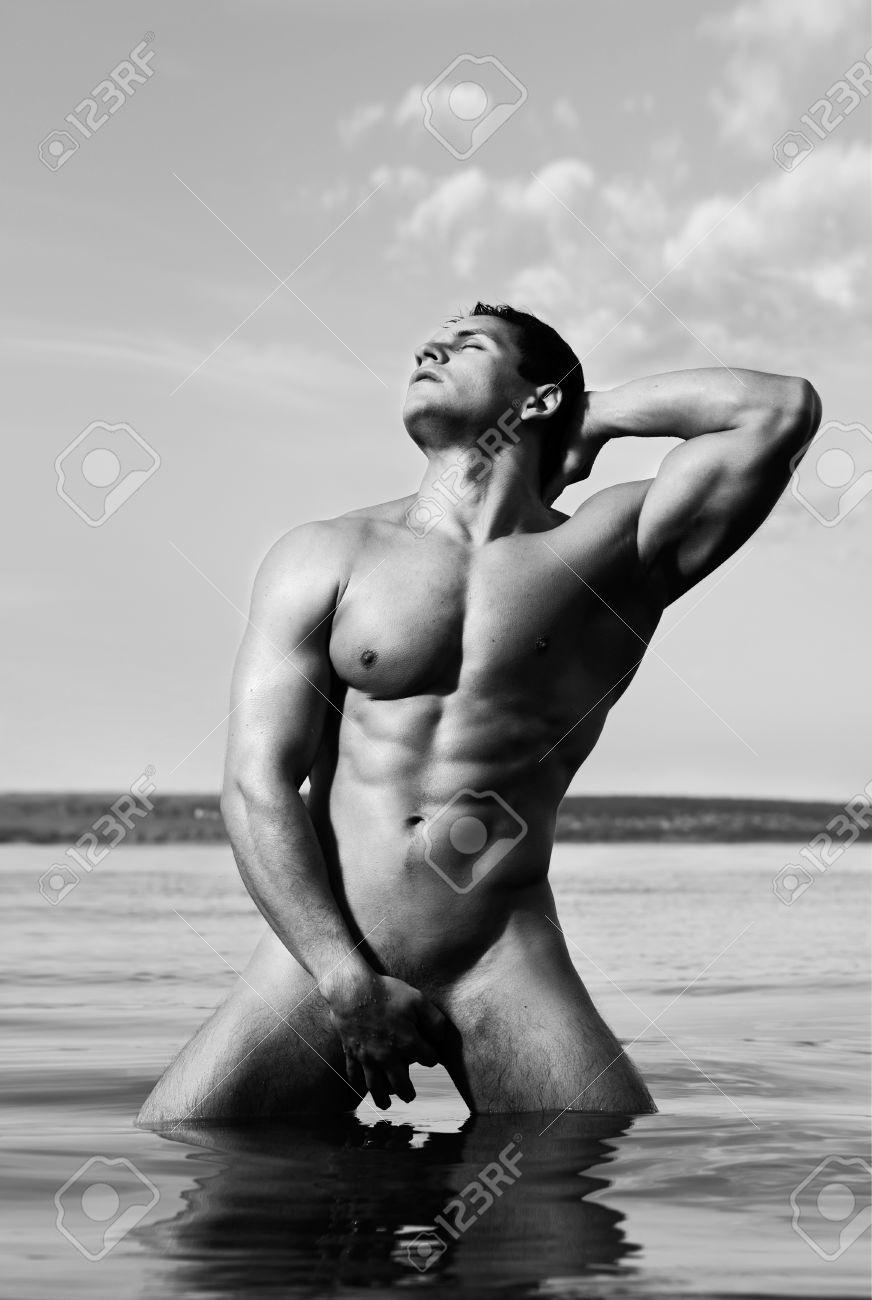 Фото мускулистых красивых голых парней 24 фотография