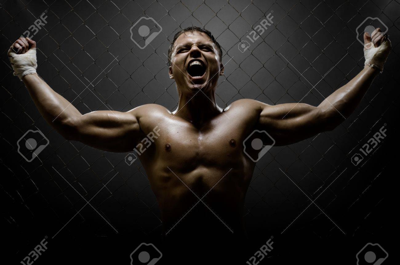 Смотреть на мускулистых парней 24 фотография