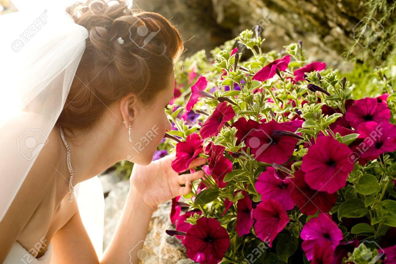 Horizontal Wedding Portrait Beautifull Fiancee Smelled Beauty ...