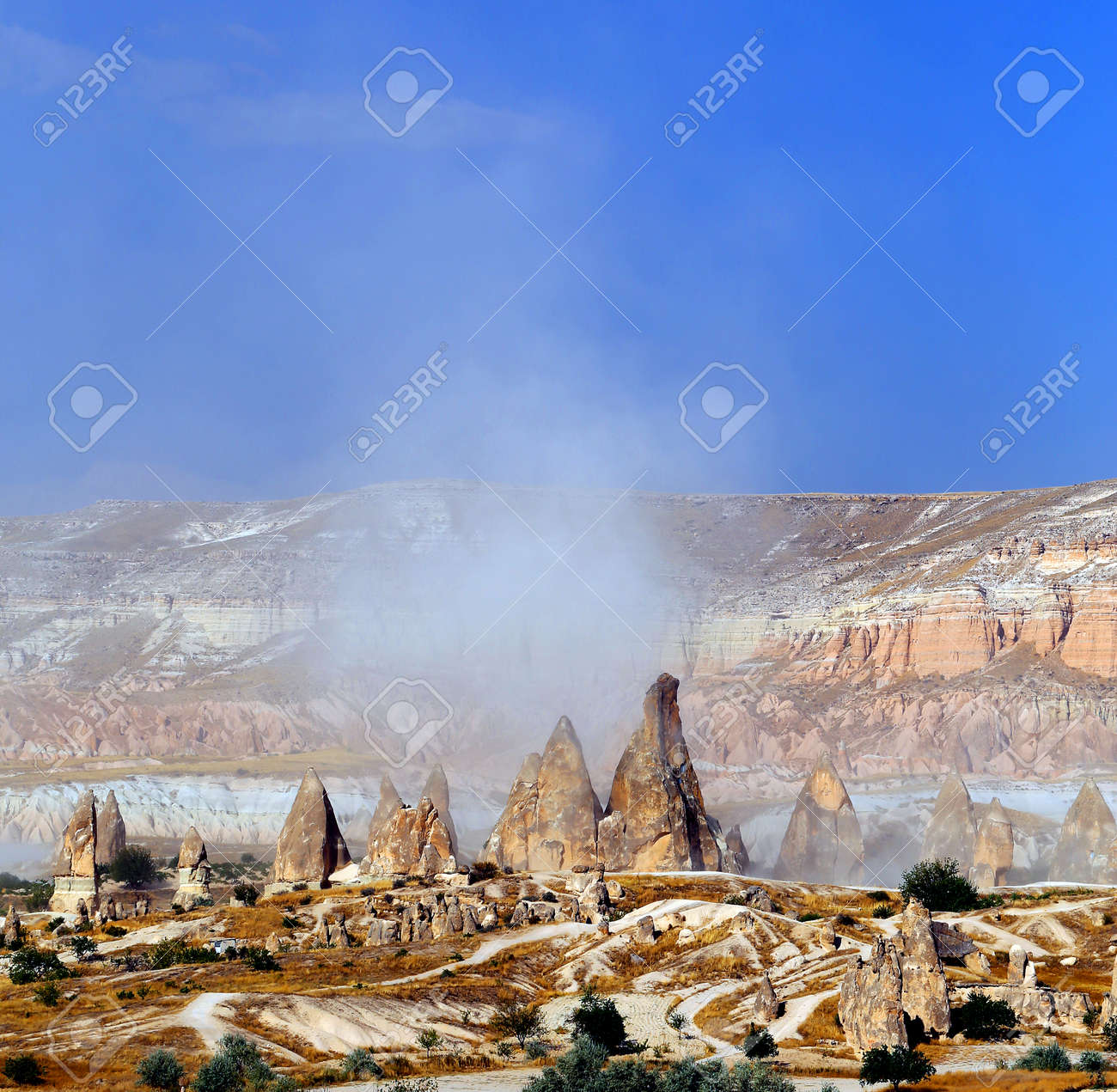 Photo bright beautiful mountains in Cappadocia - 161037247