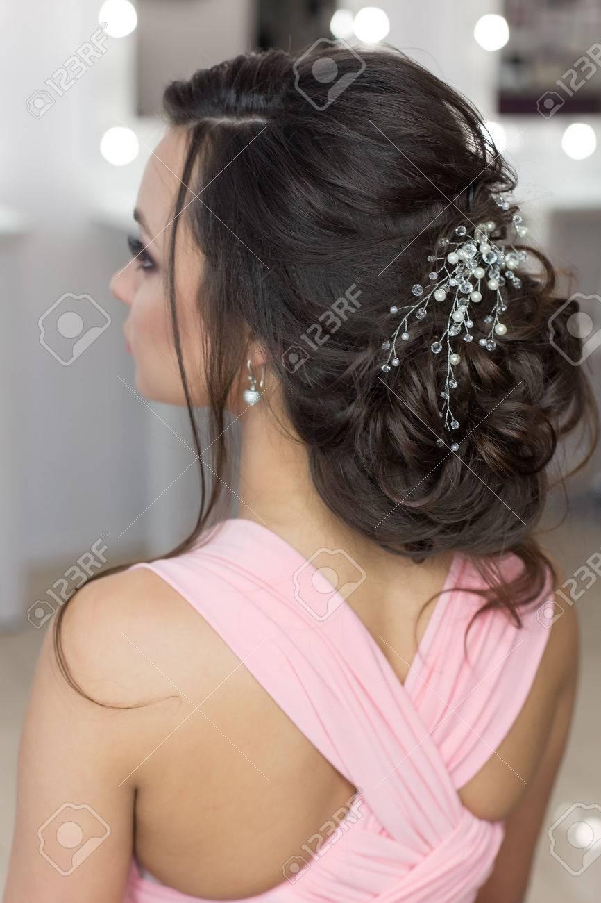 Image de coiffure de mariage pour fille