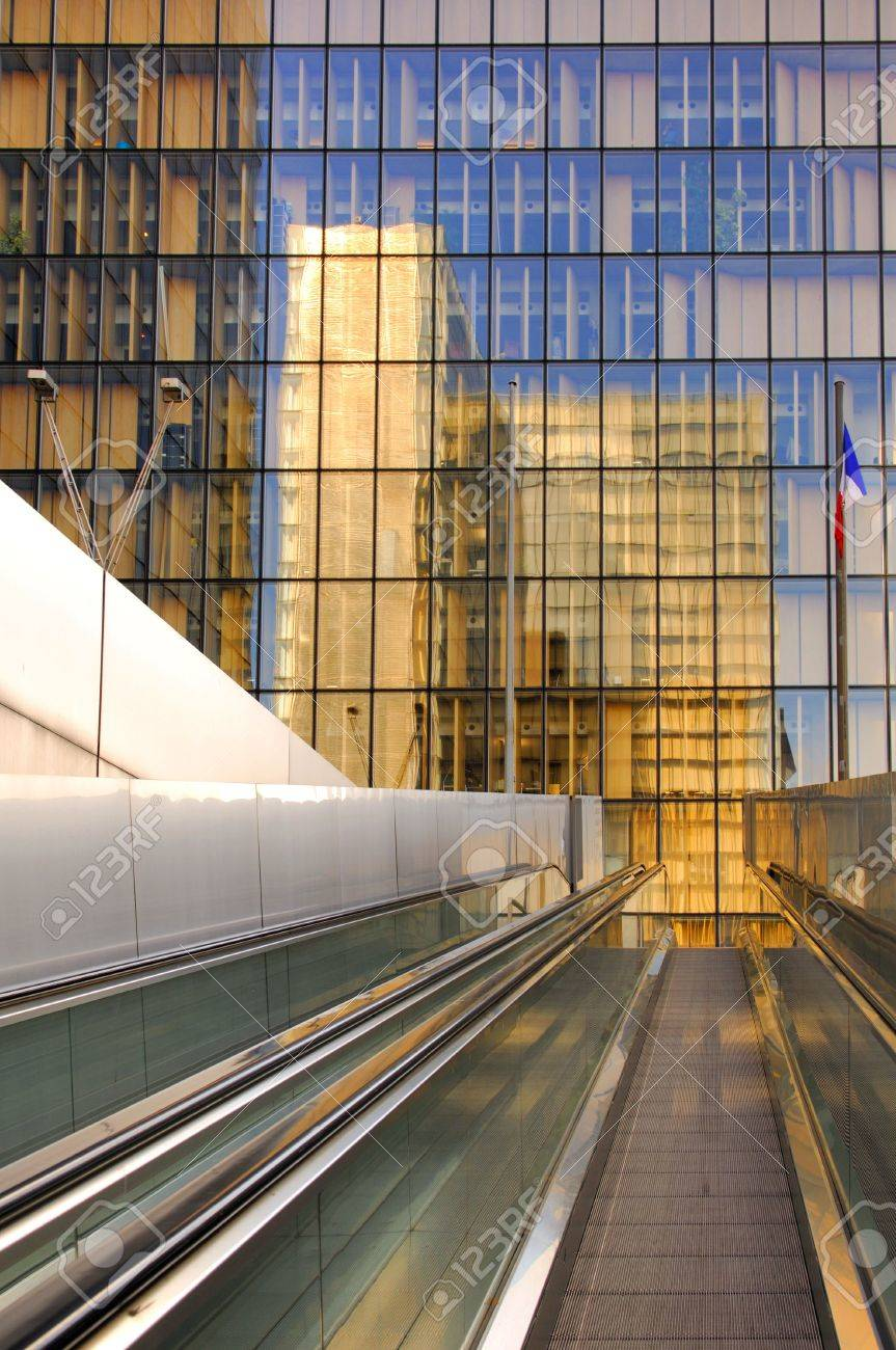 francia paris moderno edificio de la biblioteca nacional de francia la biblioteca francois