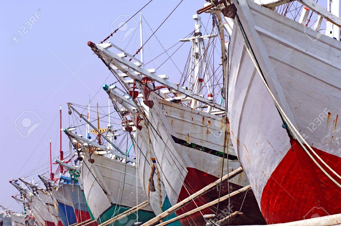 Grote Houten Boot.Indonesie Jakarta Boten Op Sunda Kelapa Een Oude Zee Haven Een