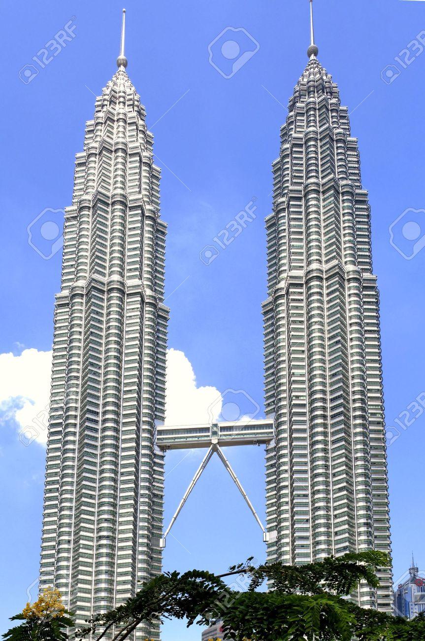 Malaysia kuala lumpur towers the worlds tallest twin buildings malaysia kuala lumpur towers the worlds tallest twin buildings designed by cesar pelli buycottarizona Gallery