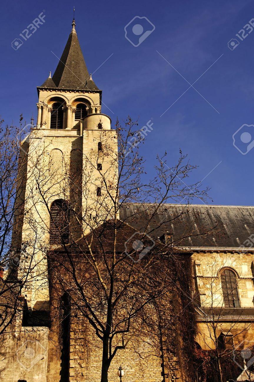 フランス、パリ: メロヴィング王キルデベルト 3 によって設立された ...
