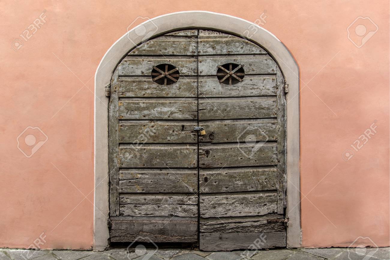 Arched Old Antique Wooden Door Or Gate The Door In The Pink