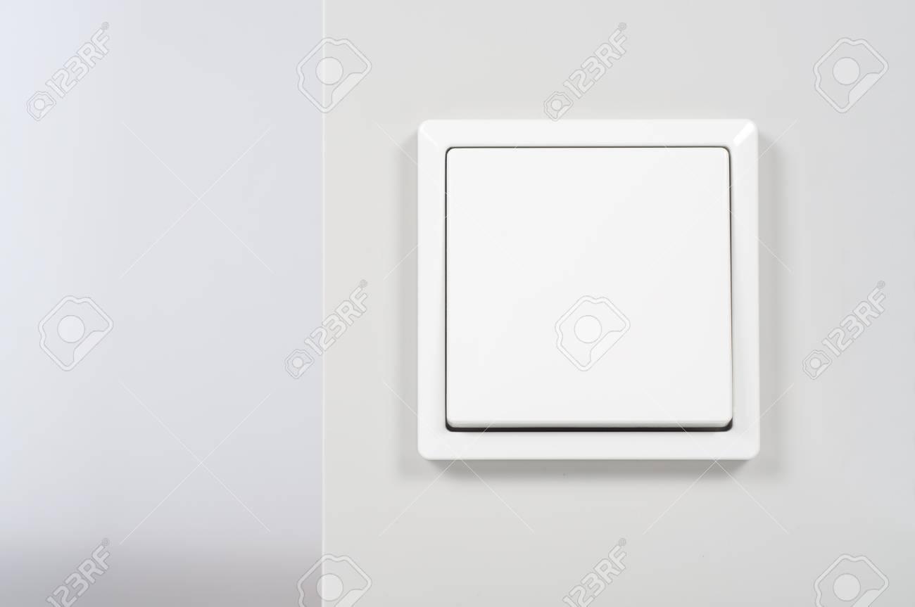 Weißes Licht Schalter An Der Wand Lizenzfreie Fotos, Bilder Und ...
