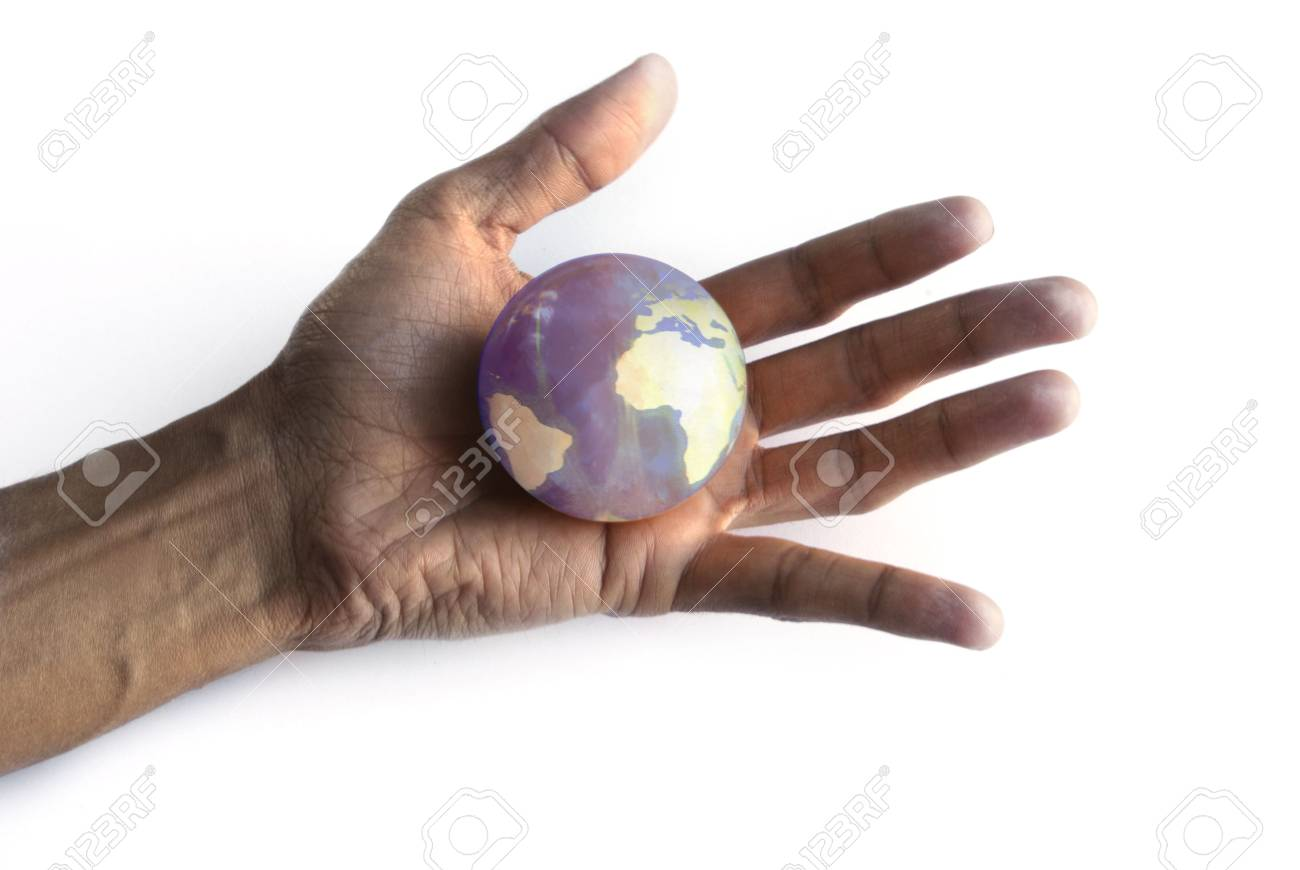 The world in my hand - 3438892
