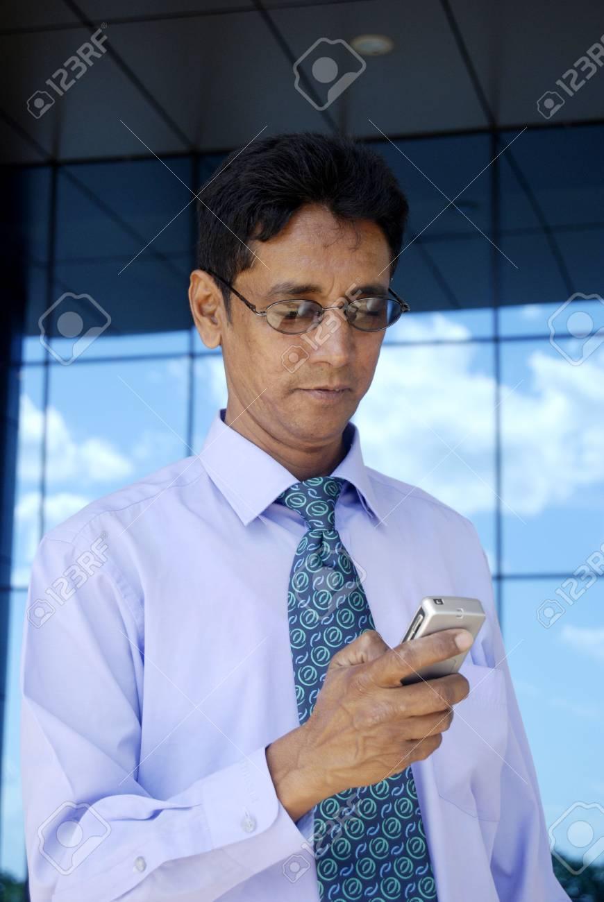 Man on the phone - 4999775