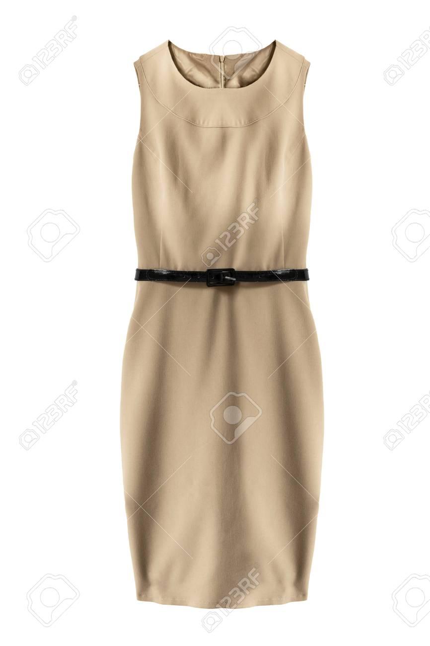 fd93f08158 Elegante vestido sin mangas beige con un cinturón sobre fondo blanco Foto  de archivo - 84499194