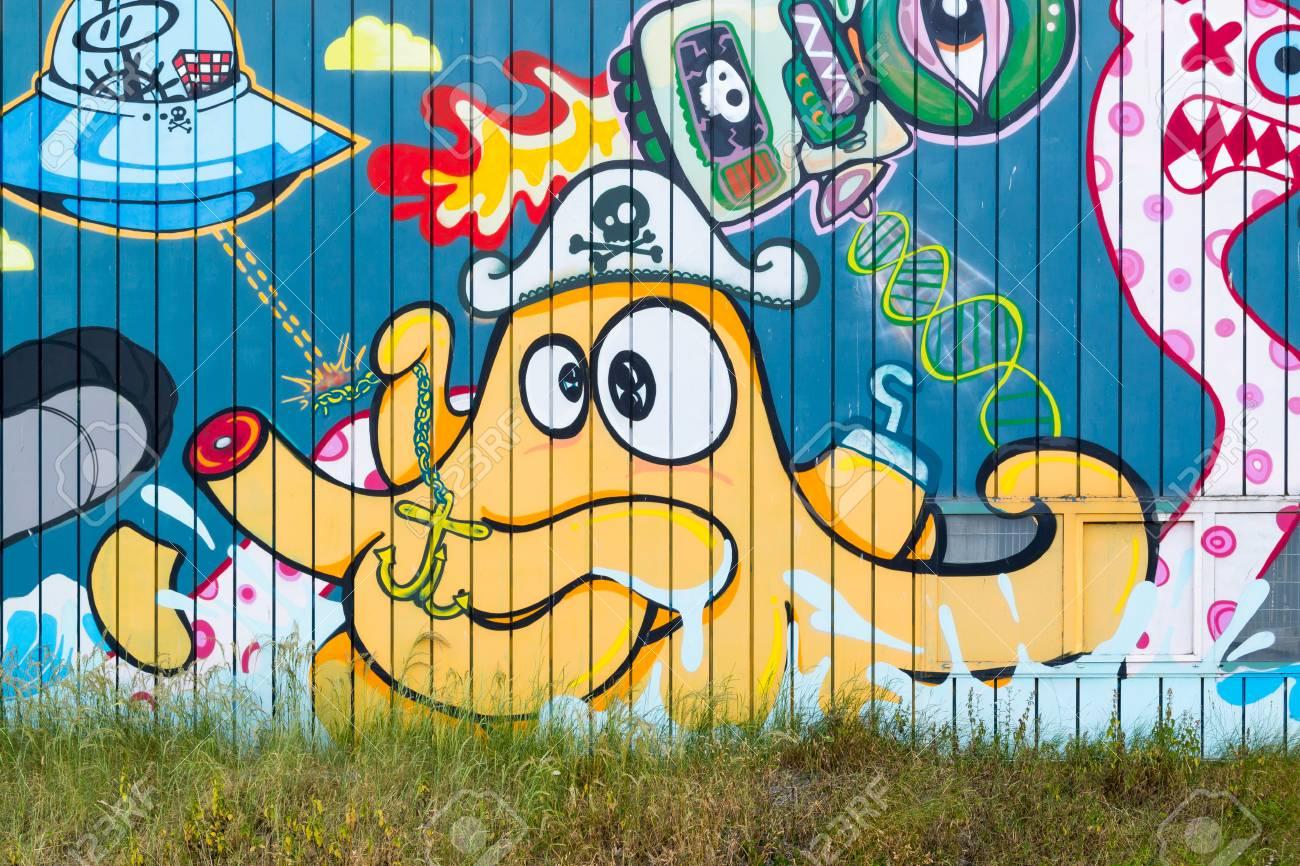 Graffiti On Wall Of Warehouse In Scheveningen, The Hague ...
