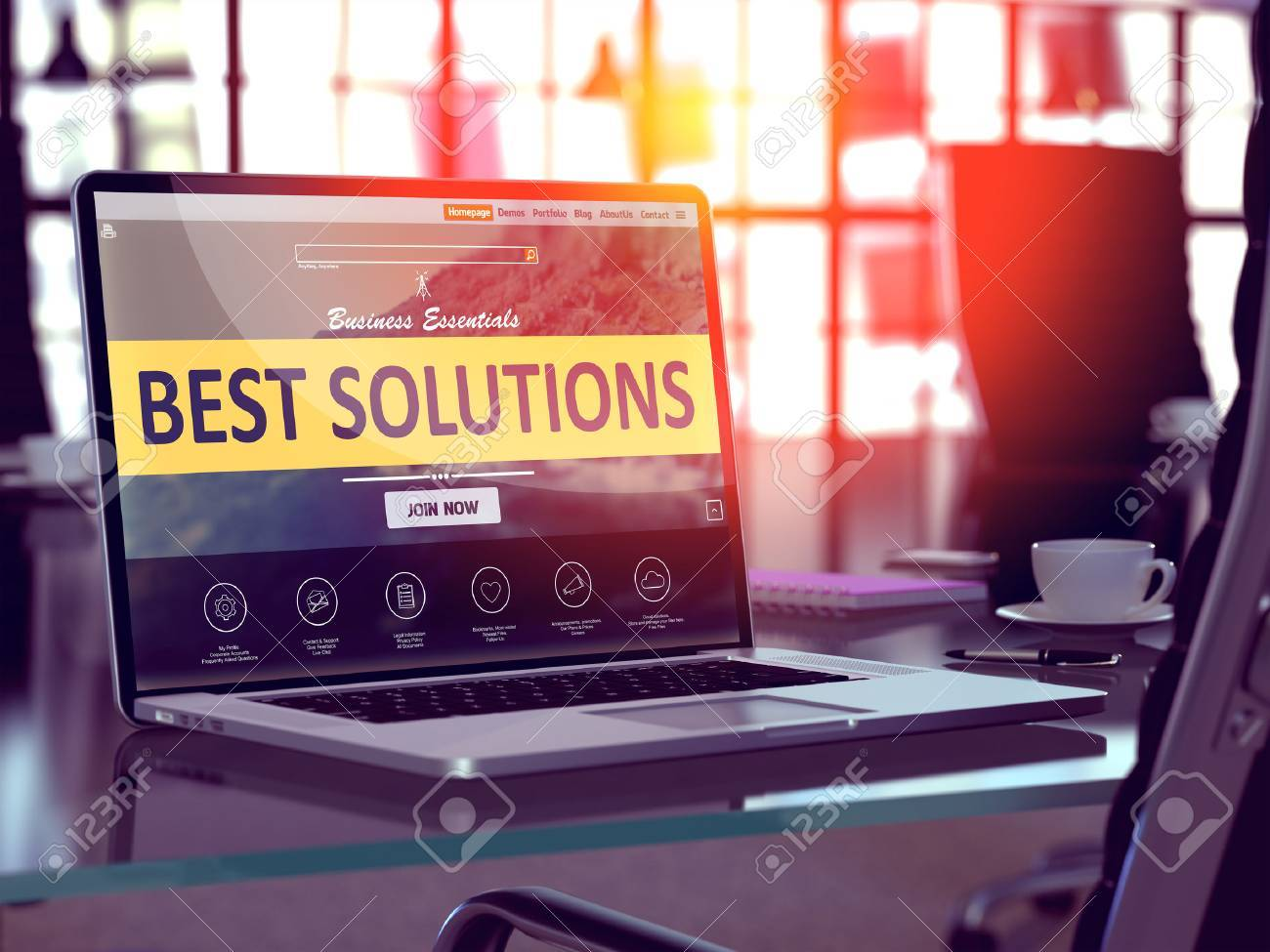 Best Solutions Concept Closeup on Laptop Screen in Modern Office Workplace. Toned 3d Illustration with Selective Focus. Standard-Bild - 51302185
