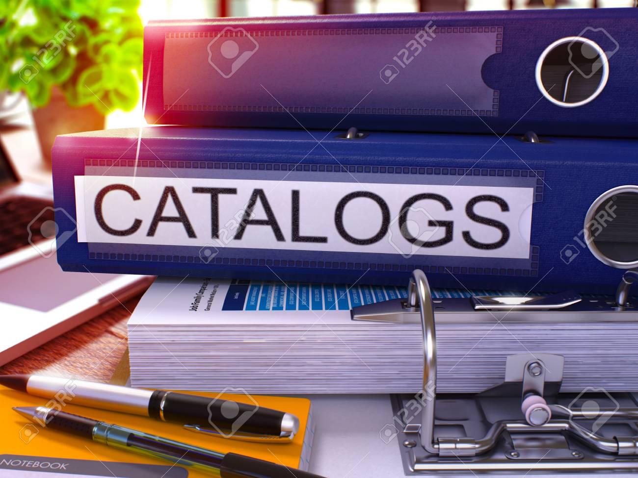 Kataloge Blue Ring Binder Auf Office Desktop Mit Büromaterial Und