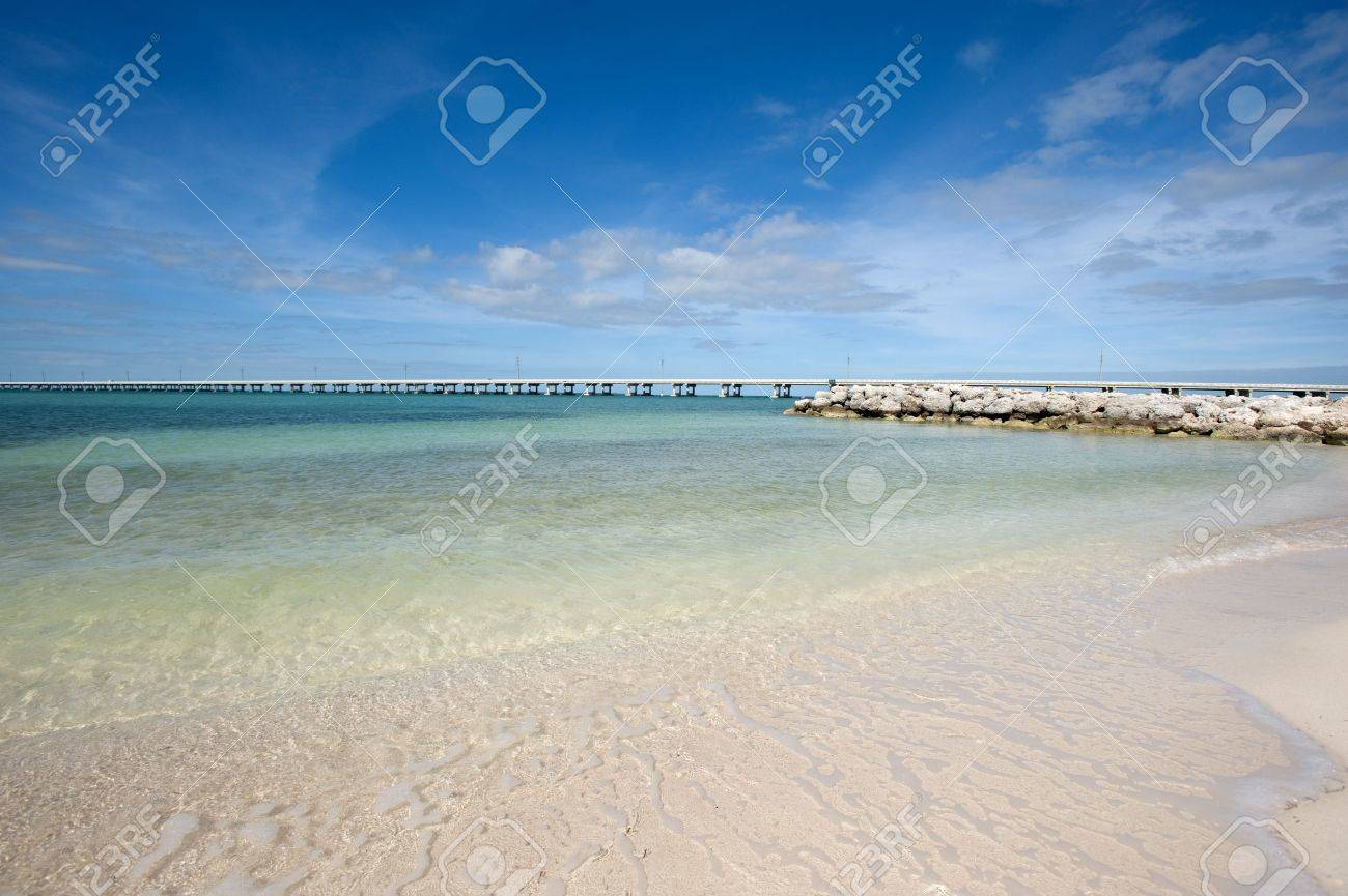 White sand beach on Lower Keys, Florida Stock Photo - 4237351