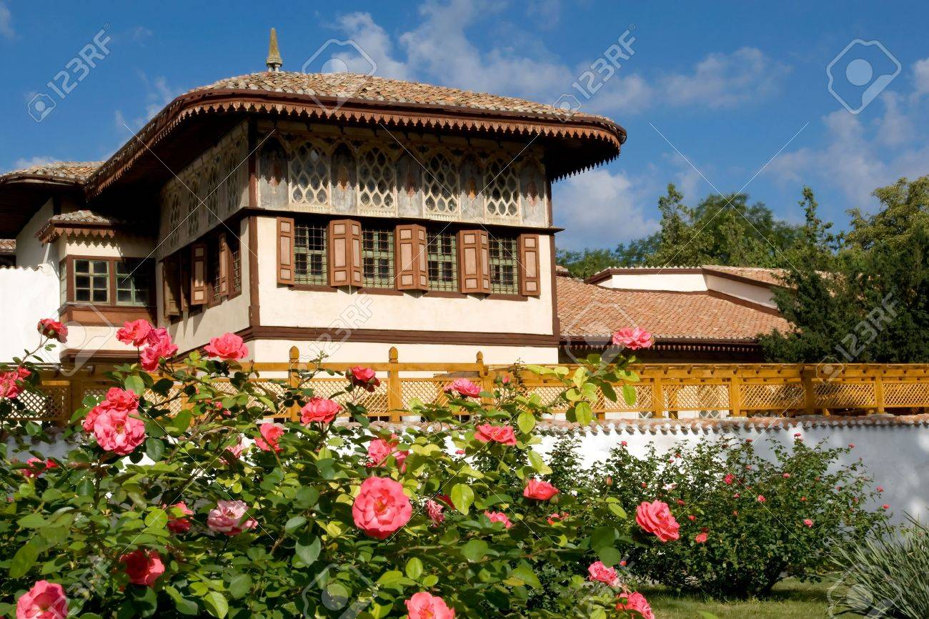 Roses at Khan's Palace, Bakhchisaray, Crimea Stock Photo - 4382112