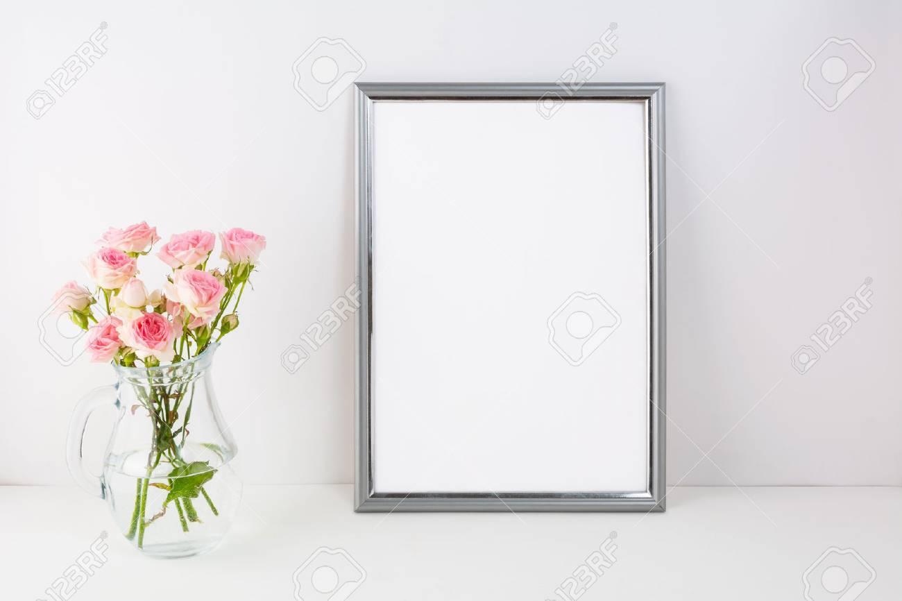 Silver Frame Mockup Mit Rosa Rosen. Portrait Oder Poster Weißen ...