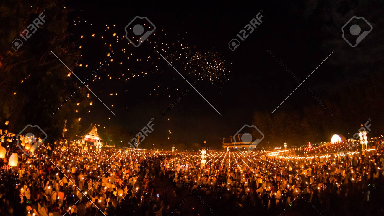 CHIANGMAI - November 16 Unidentified People launch sky lanterns to the sky in Loy Kratong festival on November 16,2013 in Chiangmai,Thailand - 24047963