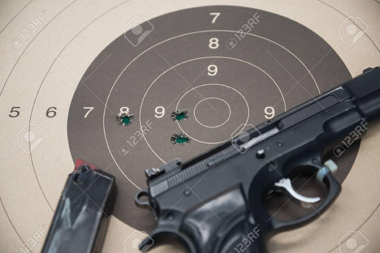 paper target gun pistol magazine - 28243915