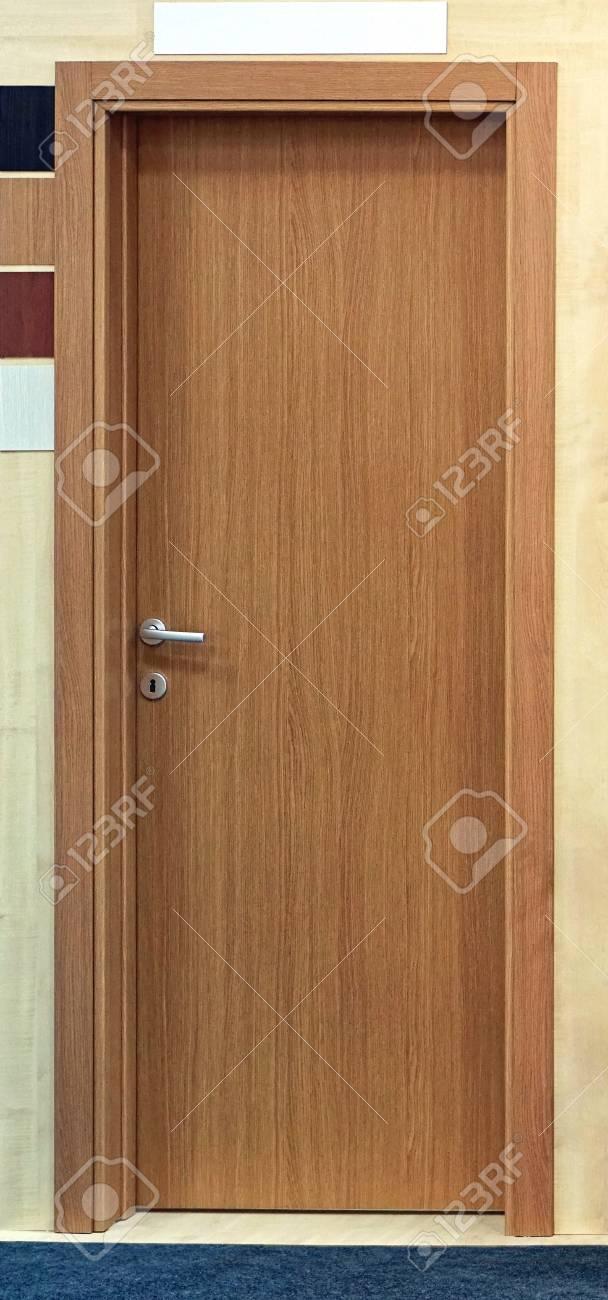 Porte En Bois En Placage Brun A L Interieur De La Maison Banque D
