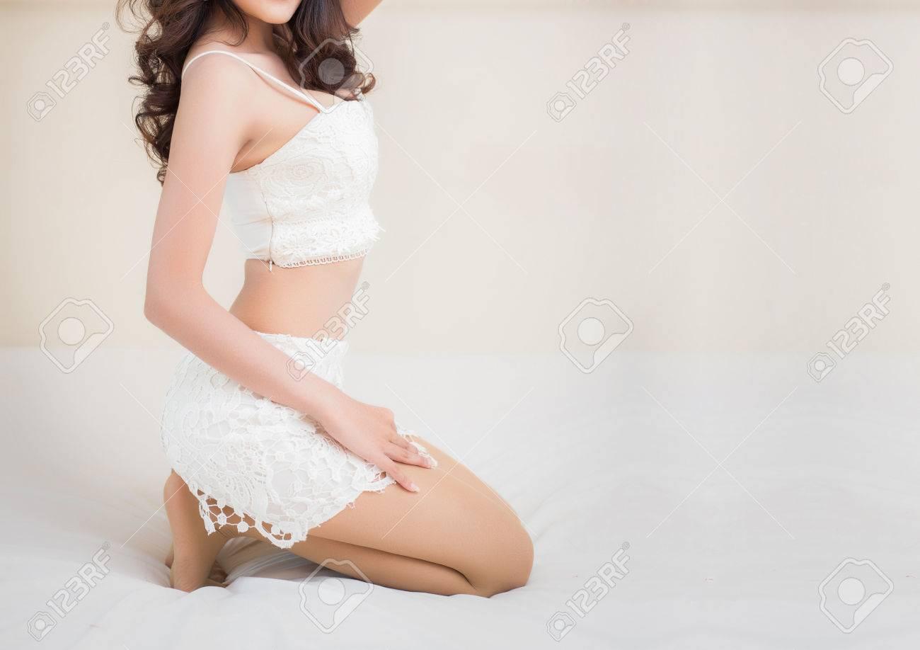 Beautiful slim body of asian woman - 50423268