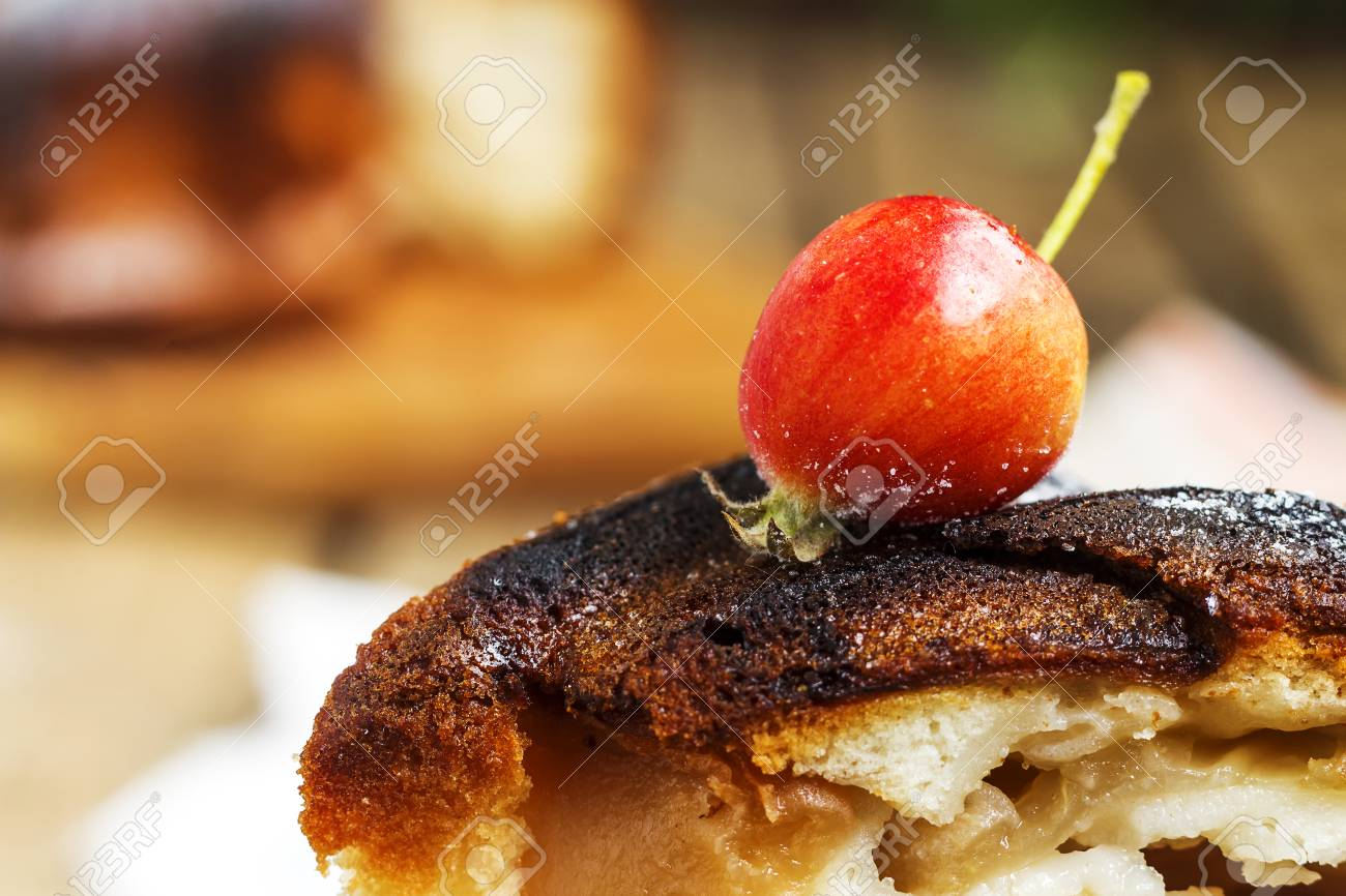 Apple Auf Der Torte Von Charlotte Auf Dem Alten Hölzernen ...