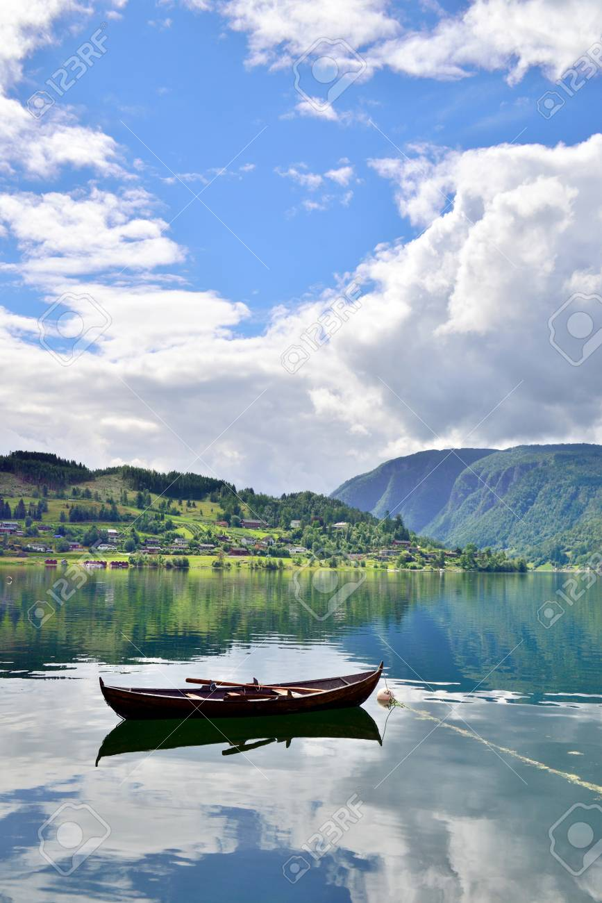 single fjord)