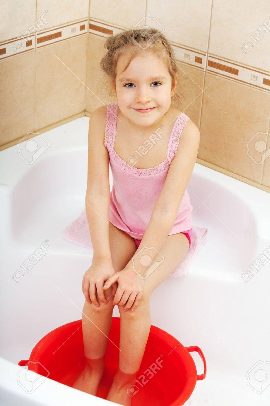 Фото писи девочки в ванной 13 фотография