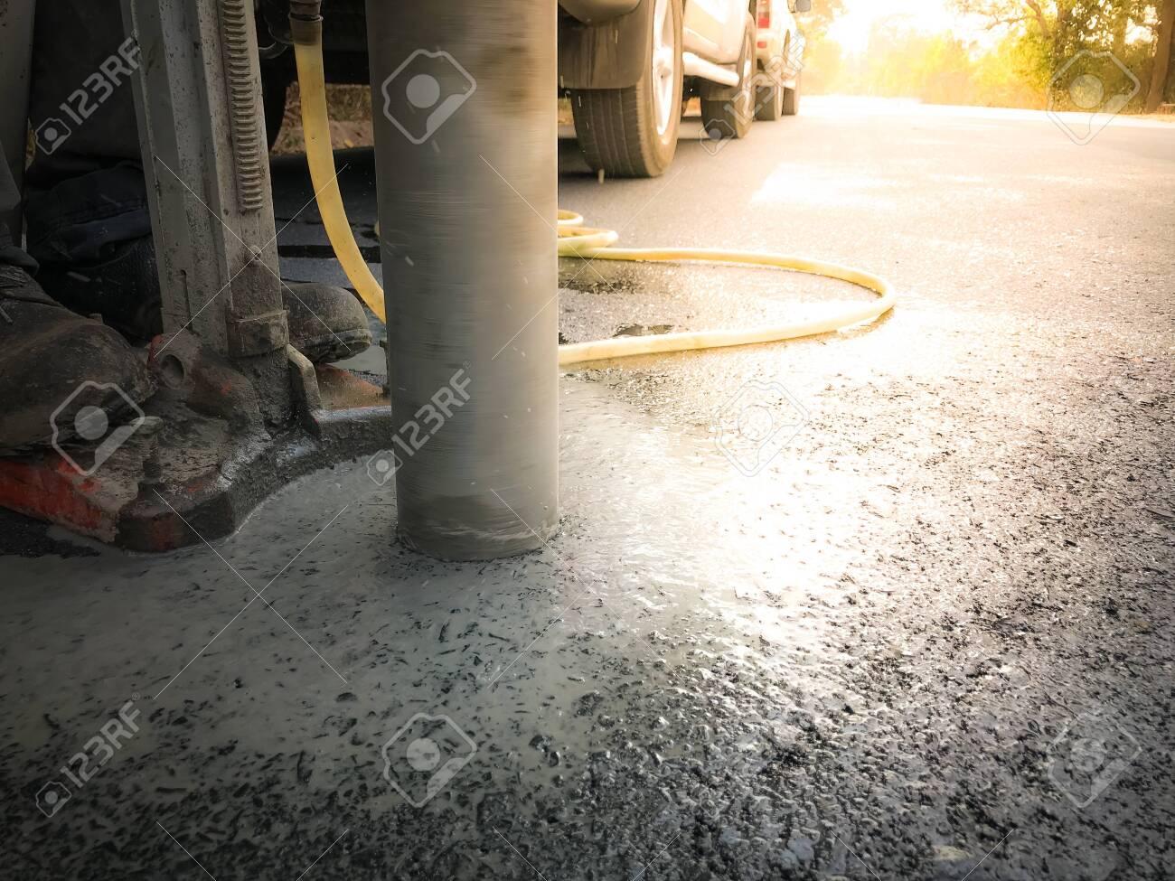 Inspection of thickness measurement of asphalt road. - 130060170