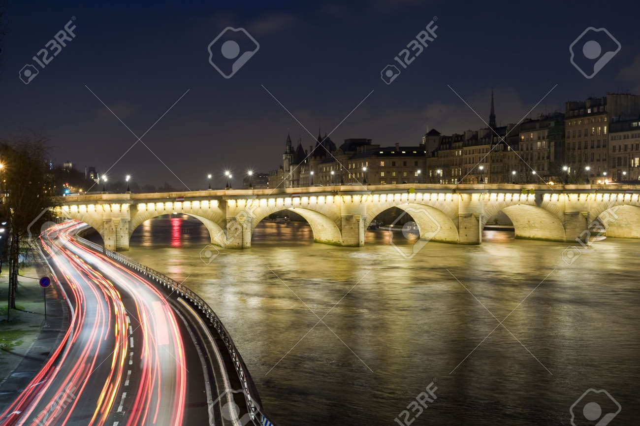 Seine river and old bridge in Paris Stock Photo - 4619758