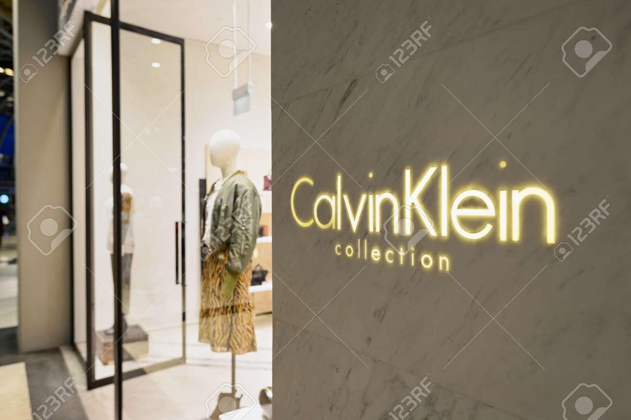 timeless design 06027 0a3da SINGAPORE - 8 NOVEMBRE 2015: Negozio Calvin Klein a The Shoppes a Marina  Bay Sands. Calvin Klein Inc. è una casa di moda americana fondata dal  fashion ...
