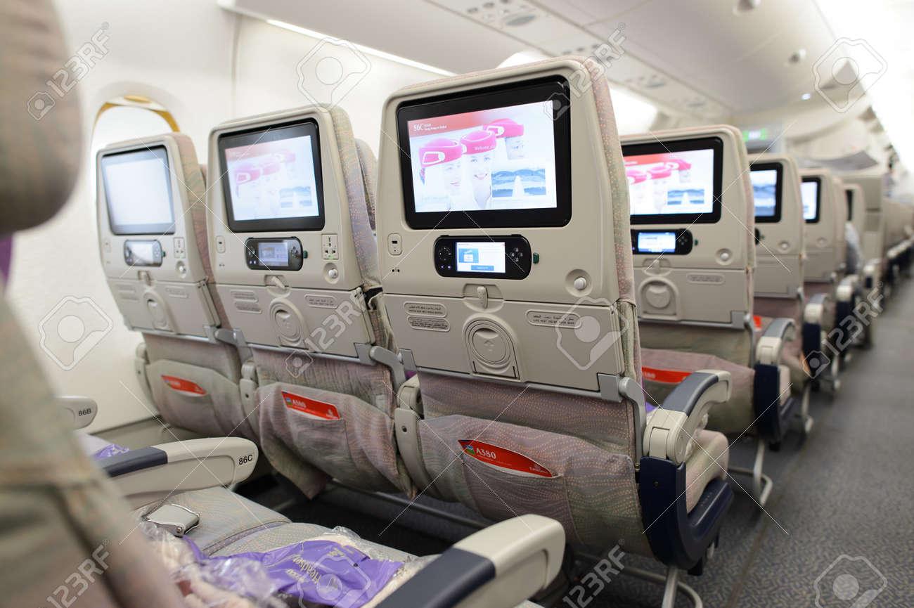 banque dimages hong kong 9 mars 2015 emirates airbus intrieur de lavion a380 emirates gre majeure partie du trafic de passagers et de mouvements