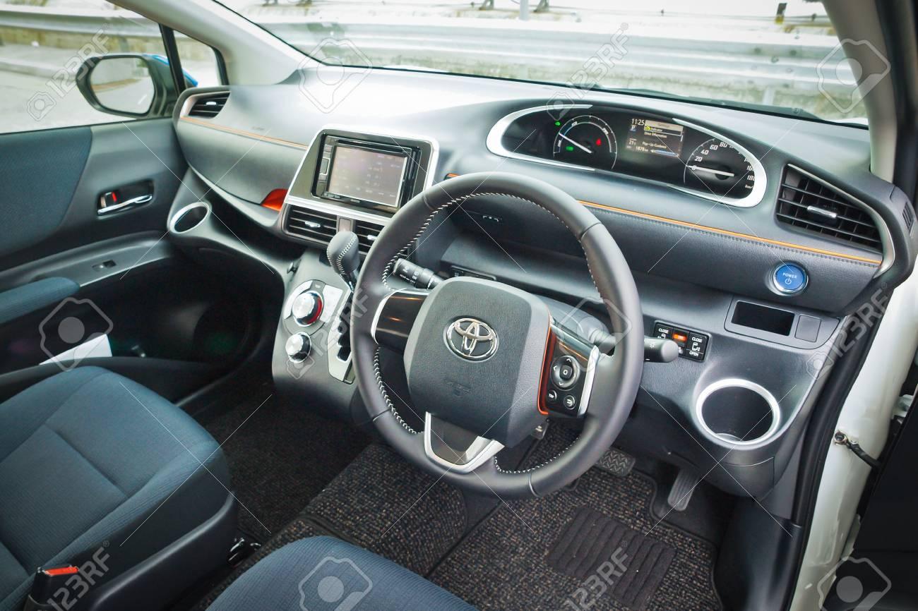 Kelebihan Kekurangan Toyota Sienta 2016 Harga