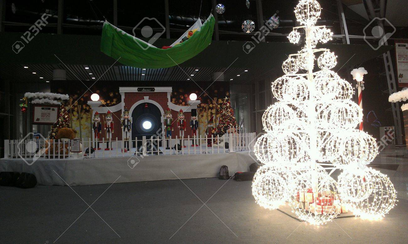 Mezzanine floor on KLIA Christmas decoration