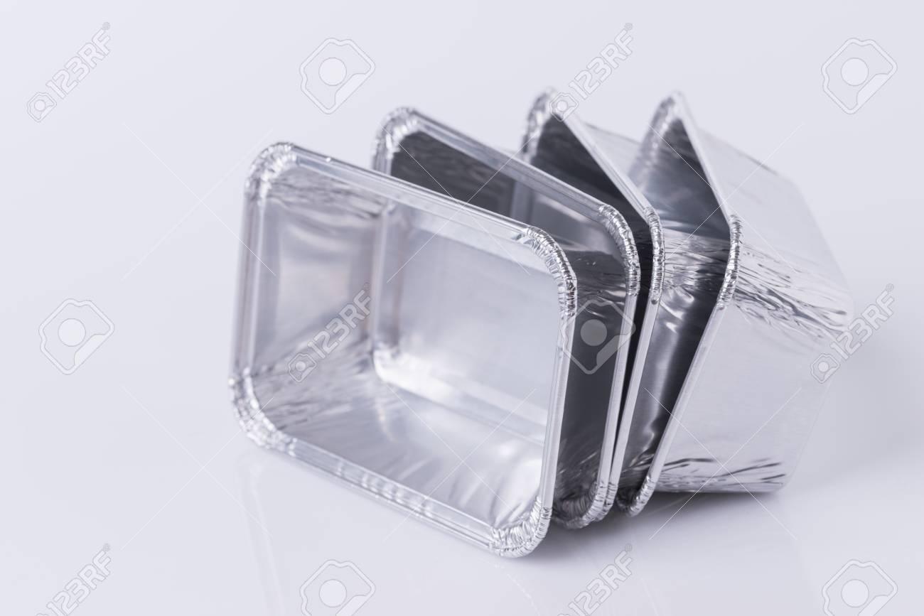 Aluminum foil tray on white background - 80104273
