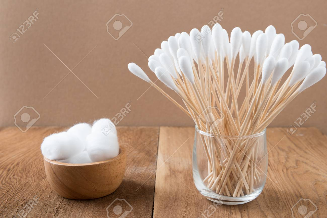 Cotton bud wood stick or cotton swab cotton wool on background - 80104418